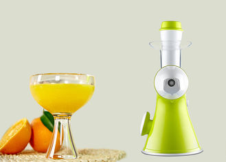 China Hand Style Fruit Juice Maker 370x196x338mm Dimension High Efficient For Peach supplier